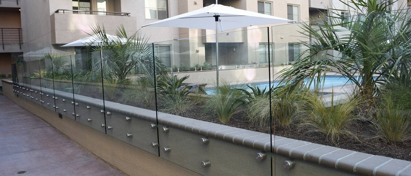 standoff glass railing_1-min