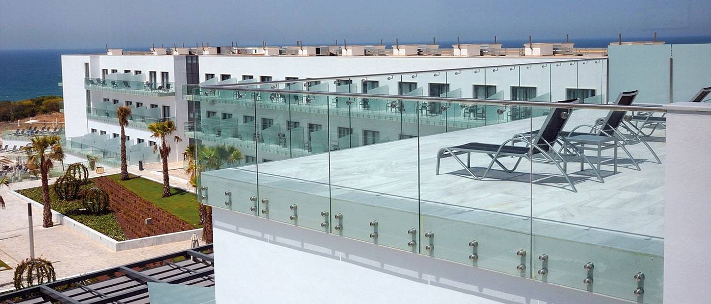 standoff glass railing_2-min